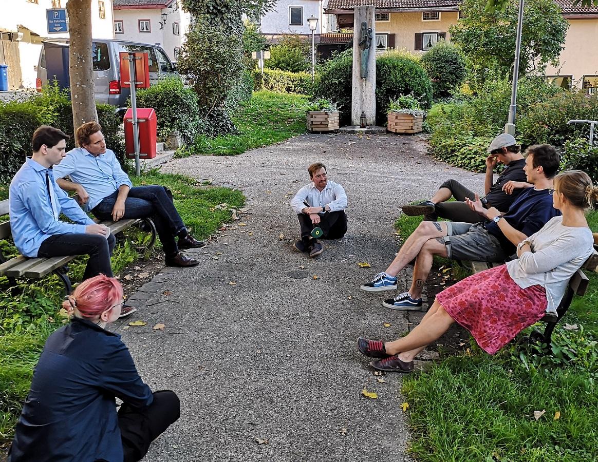 Ludwig Hartmann (MdL) und Karl Bär im Gespräch mit Jugendvertreter*innen